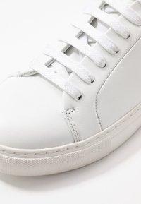 Royal RepubliQ - ELPIQUE DERBY SHOE - Sneakers - white - 2