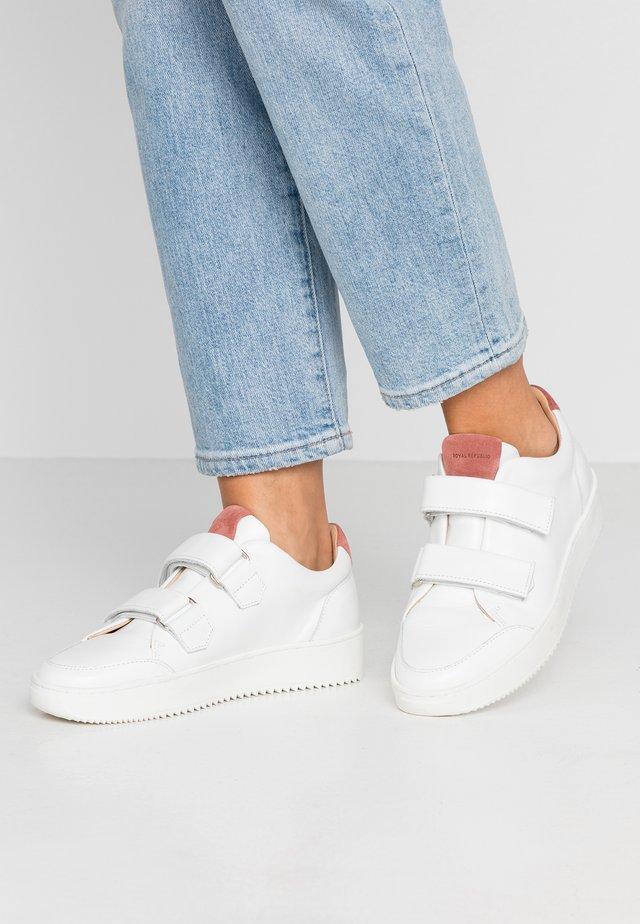 BOLT STRAP SHOE - Trainers - white