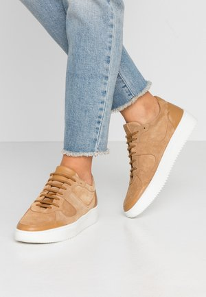 BOLT OXFORD SHOE - Trainers - camel