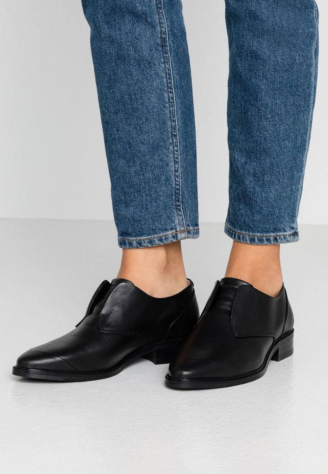 PRIME DERBY NO LACE - Loafers - black