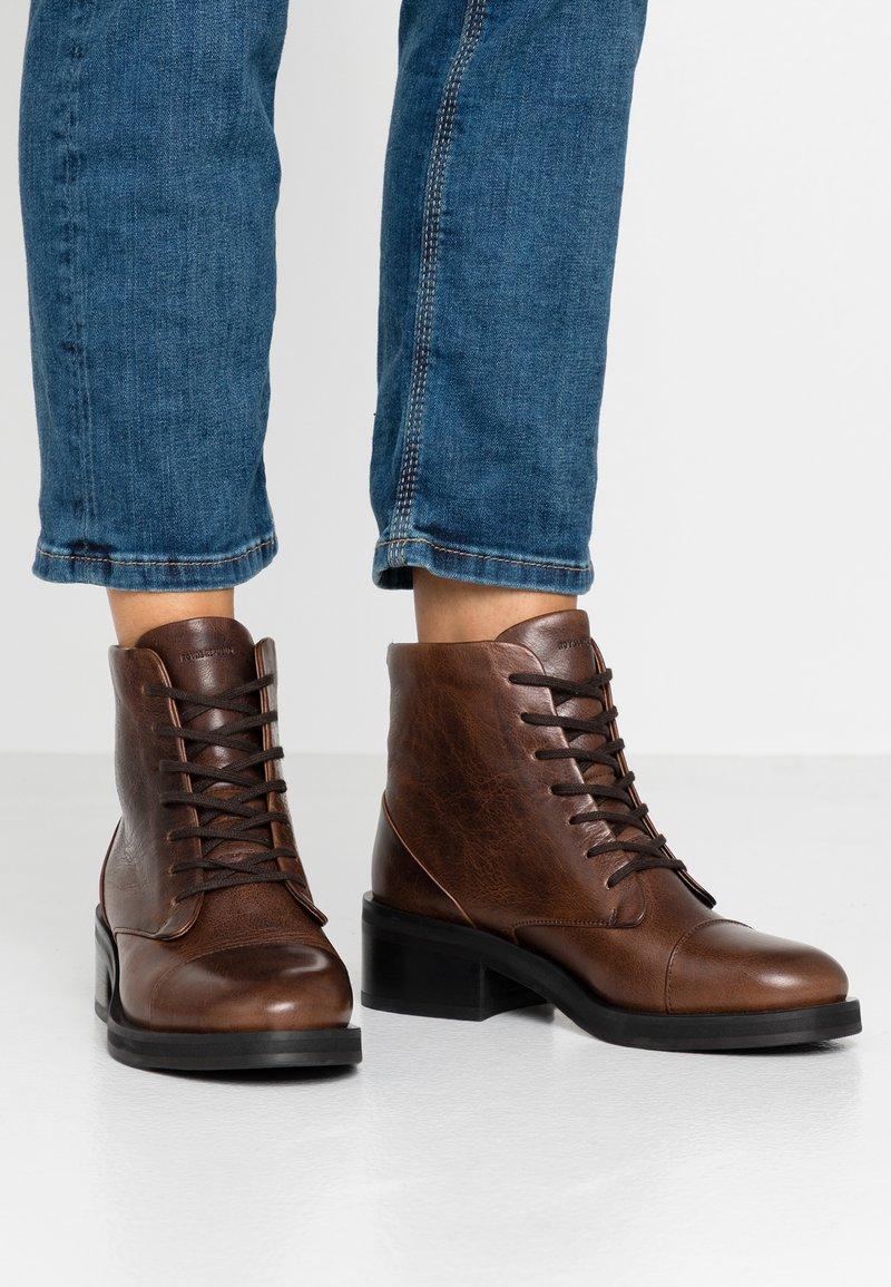 Royal RepubliQ - DISTRICT LACE UP BOOT - Lace-up ankle boots - chestnut