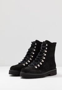 Royal RepubliQ - AVE HIKER OXFORD COMBAT BOOT - Lace-up ankle boots - black - 4