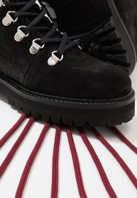 Royal RepubliQ - AVE HIKER OXFORD COMBAT BOOT - Lace-up ankle boots - black - 7