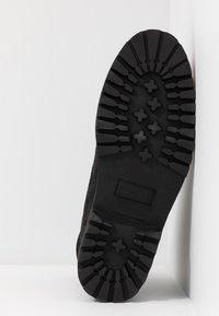Royal RepubliQ - AVE HIKER OXFORD COMBAT BOOT - Lace-up ankle boots - black - 6