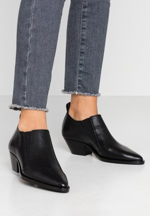 HUNTER CHELSEA SHOE - Ankle boots - black