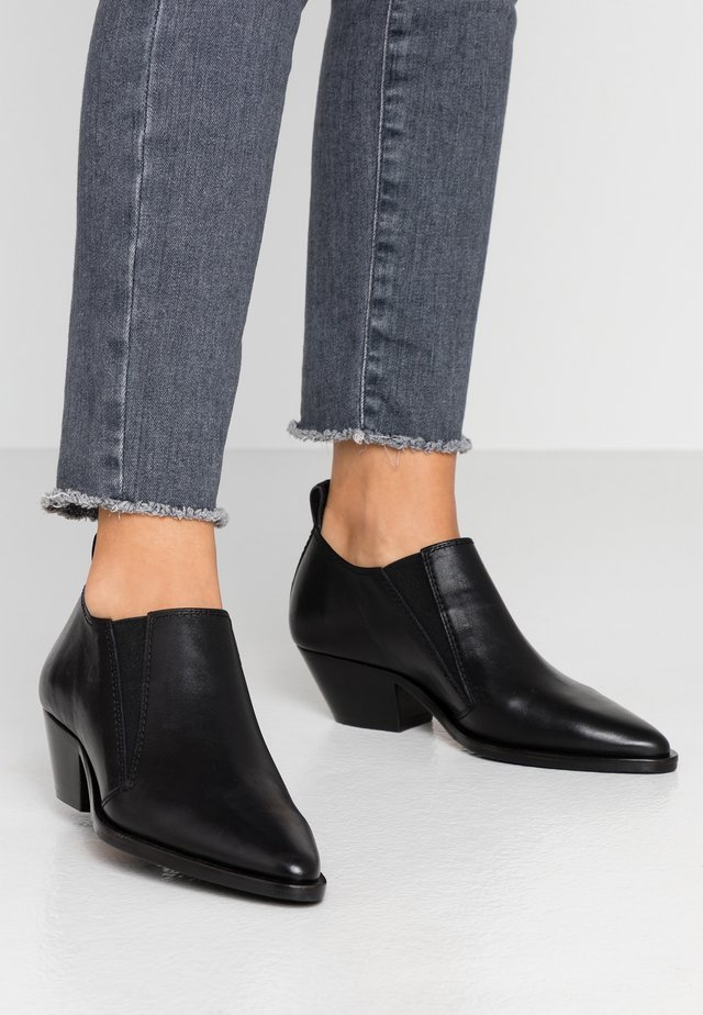 HUNTER CHELSEA SHOE - Boots à talons - black