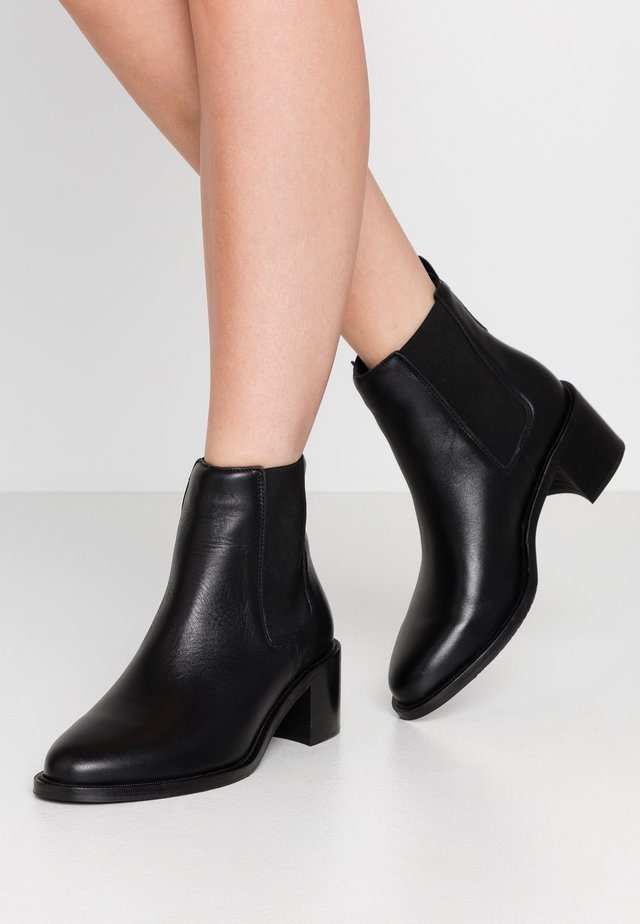 TOWN CHELSEA - Ankle boots - black