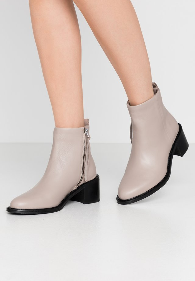 TOWN  - Classic ankle boots - clay