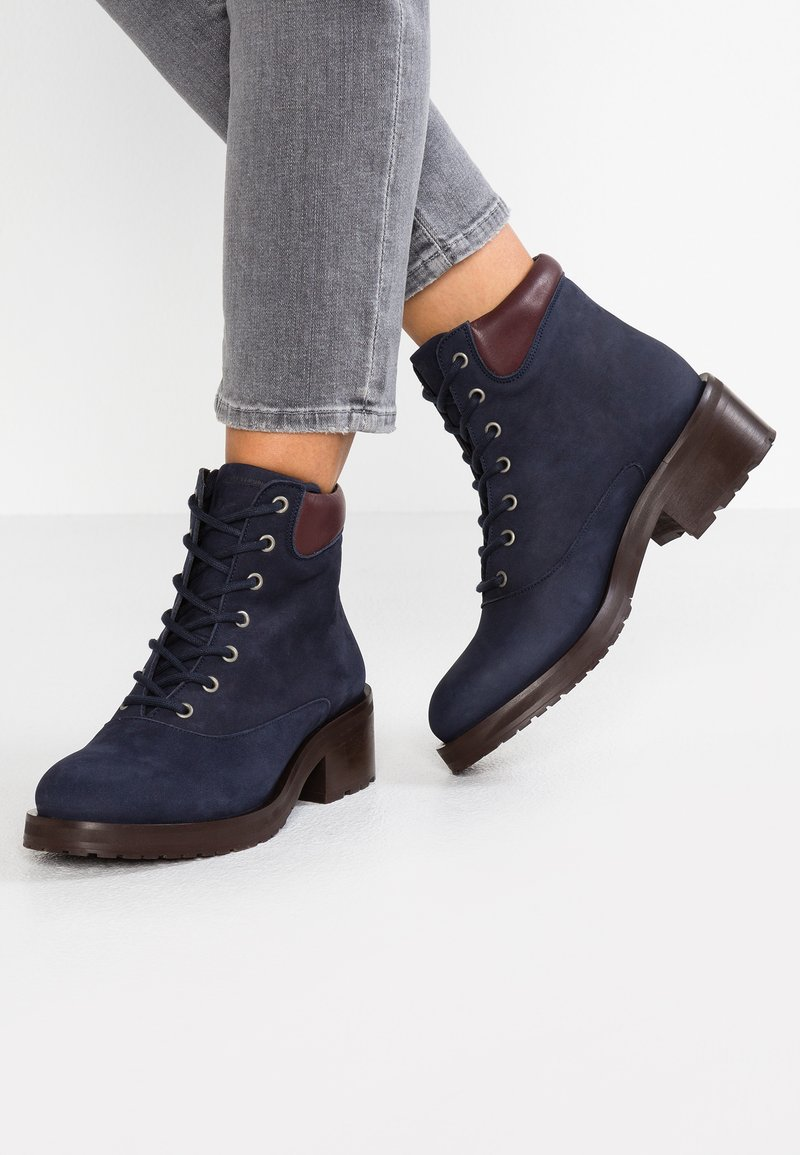 Royal RepubliQ - DISTRICT HIKER OXFORD MIDCUT - Lace-up ankle boots - navy