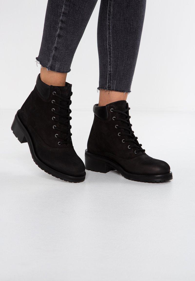 Royal RepubliQ - DISTRICT HIKER OXFORD MIDCUT - Lace-up ankle boots - black