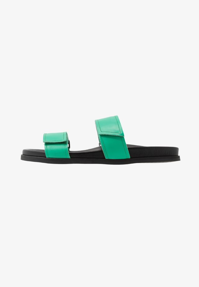 ROUTE STRAP - Mules - green