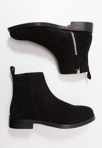 Royal RepubliQ - BOND ANKLE BOOT - Støvletter - black - 1