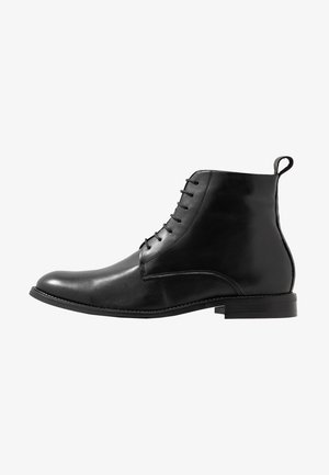 ALIAS CLASSIC LACE UP BOOT - Botki sznurowane - black