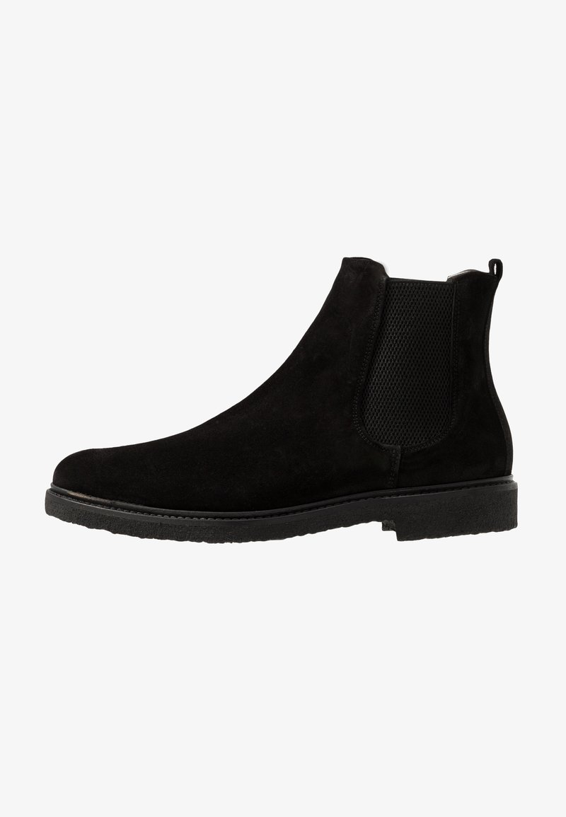 Royal RepubliQ - CAST CHELSEA - Classic ankle boots - black