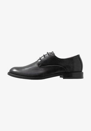 ALIAS CLASSIC DERBY SHOE - Smart lace-ups - black