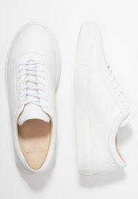 Royal RepubliQ - SPARTACUS OXFORD - Sneakers basse - white - 1