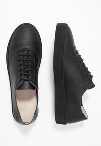 Royal RepubliQ - DORIC OXFORD SHOE - Sneakers basse - black - 1