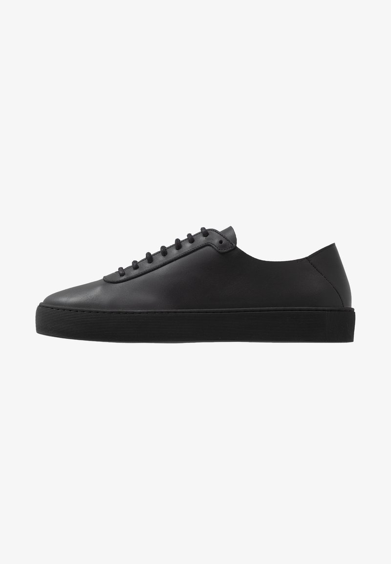 Royal RepubliQ - DORIC OXFORD SHOE - Sneakers basse - black