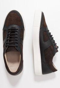 Royal RepubliQ - SPARTACUS OXFORD SHOE - Sneakers - coffee - 1