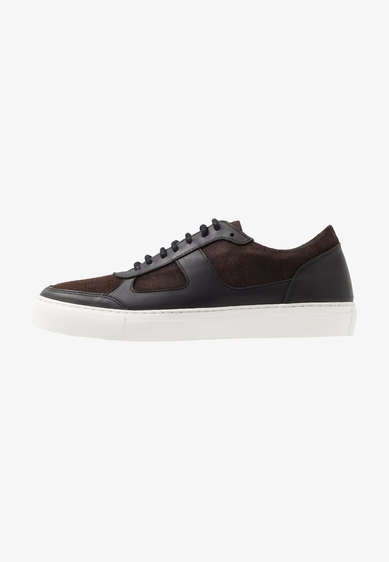Royal RepubliQ - SPARTACUS OXFORD SHOE - Sneakers - coffee
