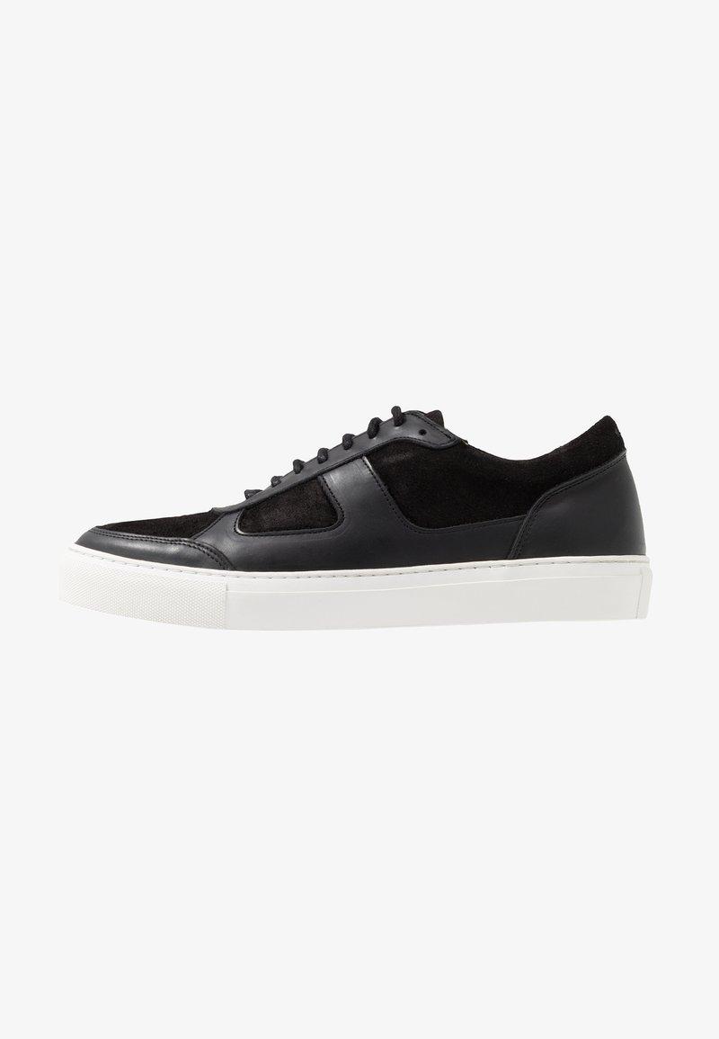 Royal RepubliQ - SPARTACUS OXFORD SHOE - Sneakersy niskie - black