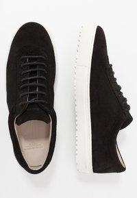 Royal RepubliQ - SPARTACUS HIKER OXFORD SHOE - Sneaker low - black - 1