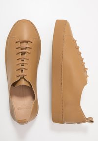 Royal RepubliQ - DORIC DERBY SHOE - Tenisky - camel - 1