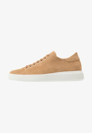 VERGE DERBY SHOE - Sneakers - camel