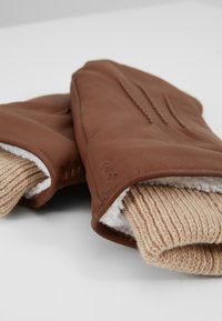 Royal RepubliQ - GROUND MITTENS - Fäustling - cognac - 3