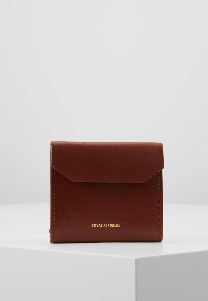Royal RepubliQ - EMPRESS WALLET - Peněženka - cognac