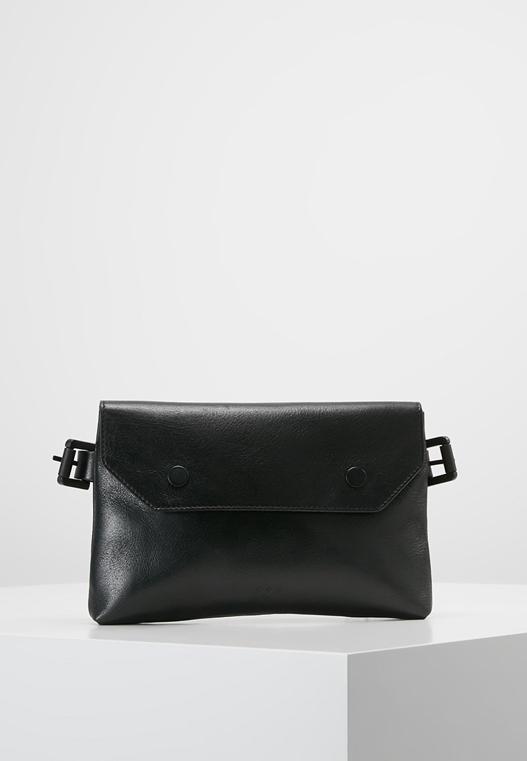 Royal RepubliQ - DARTH BUM BAG - Bum bag - black