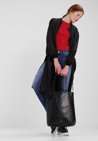 Royal RepubliQ - ESSENTIAL TOTE - Shopping bag - black - 1