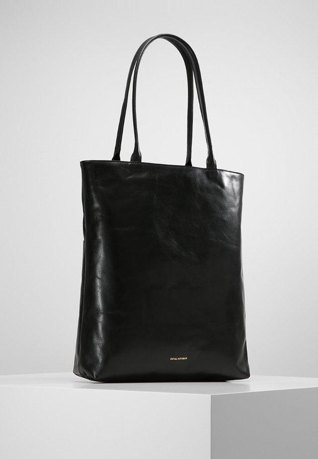 ESSENTIAL TOTE - Torba na zakupy - black