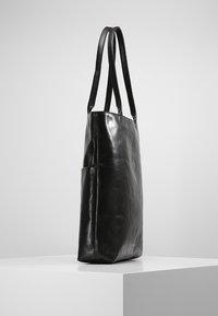 Royal RepubliQ - ESSENTIAL TOTE - Shopping bag - black - 3