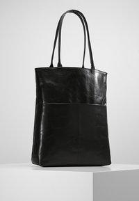 Royal RepubliQ - ESSENTIAL TOTE - Shopping bag - black - 2