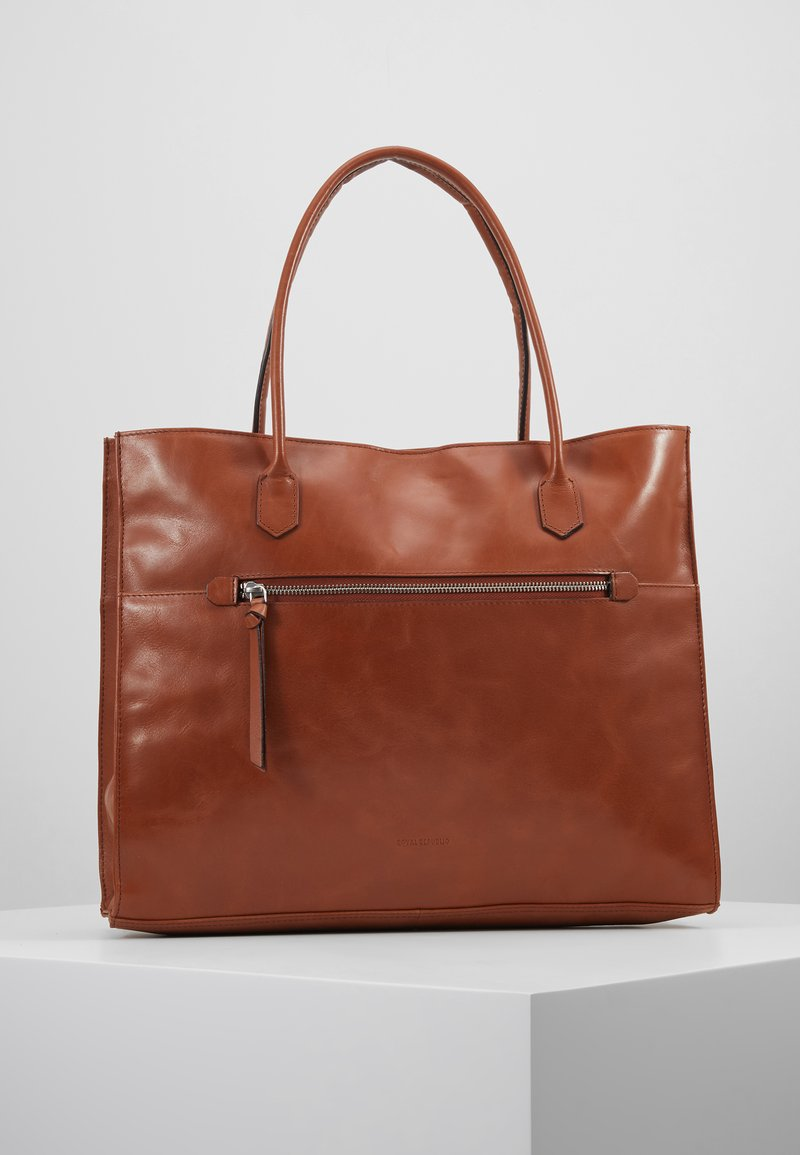 Royal RepubliQ - METROPOLIS SHOPPER - Laptop bag - cognac