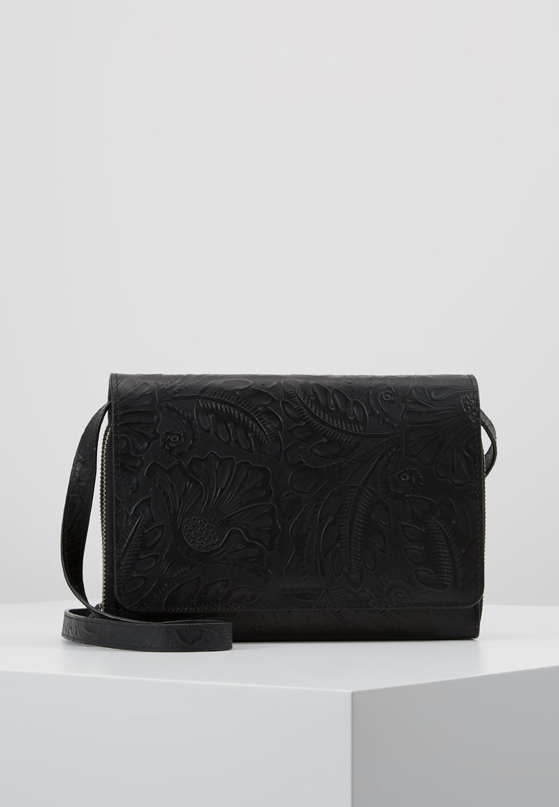 Royal RepubliQ - WILDFLOWER EVENING BAG - Across body bag - black