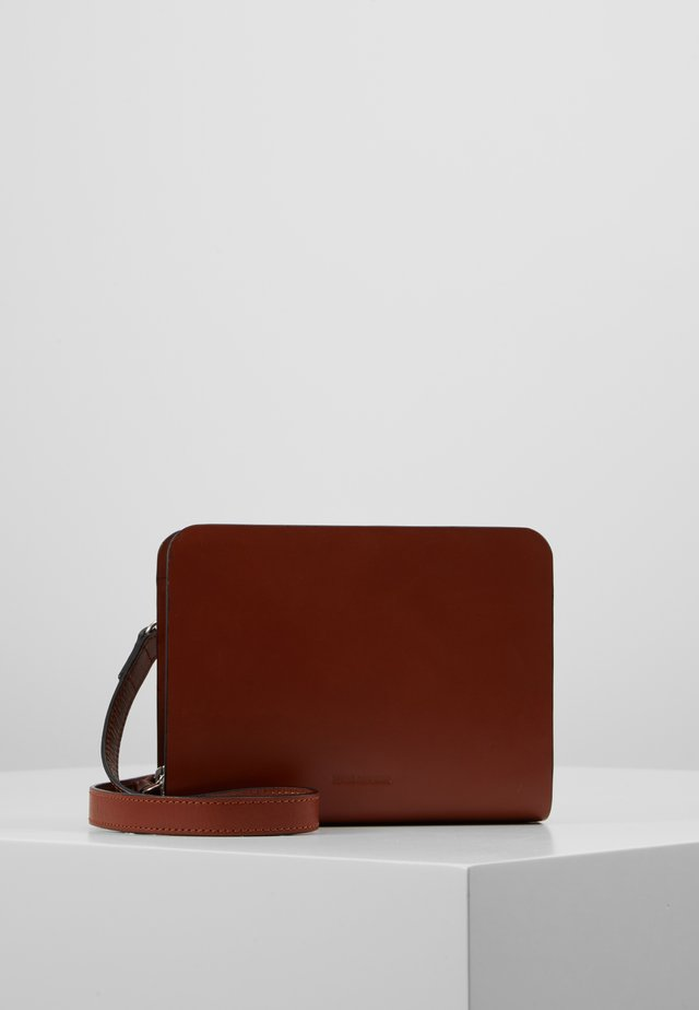 GALAX ECHO EVENING BAG - Olkalaukku - cognac