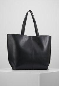 Royal RepubliQ - FUSION SHOPPER - Shoppingväska - black - 2