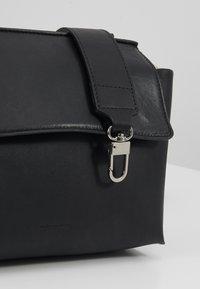 Royal RepubliQ - ELITE EVENING BAG - Torba na ramię - black - 6