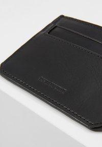 Royal RepubliQ - THUNDER CARDHOLDER - Peněženka - black - 2