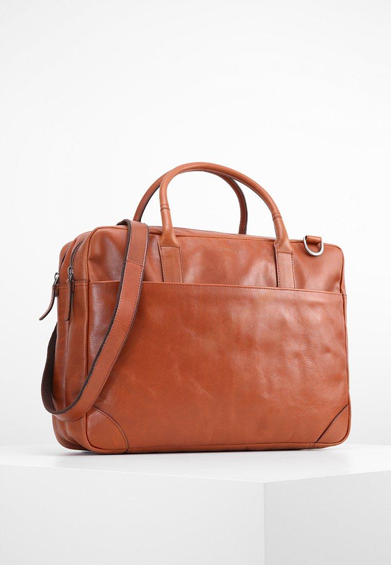 Royal RepubliQ - EXPLORER - Briefcase - cognac