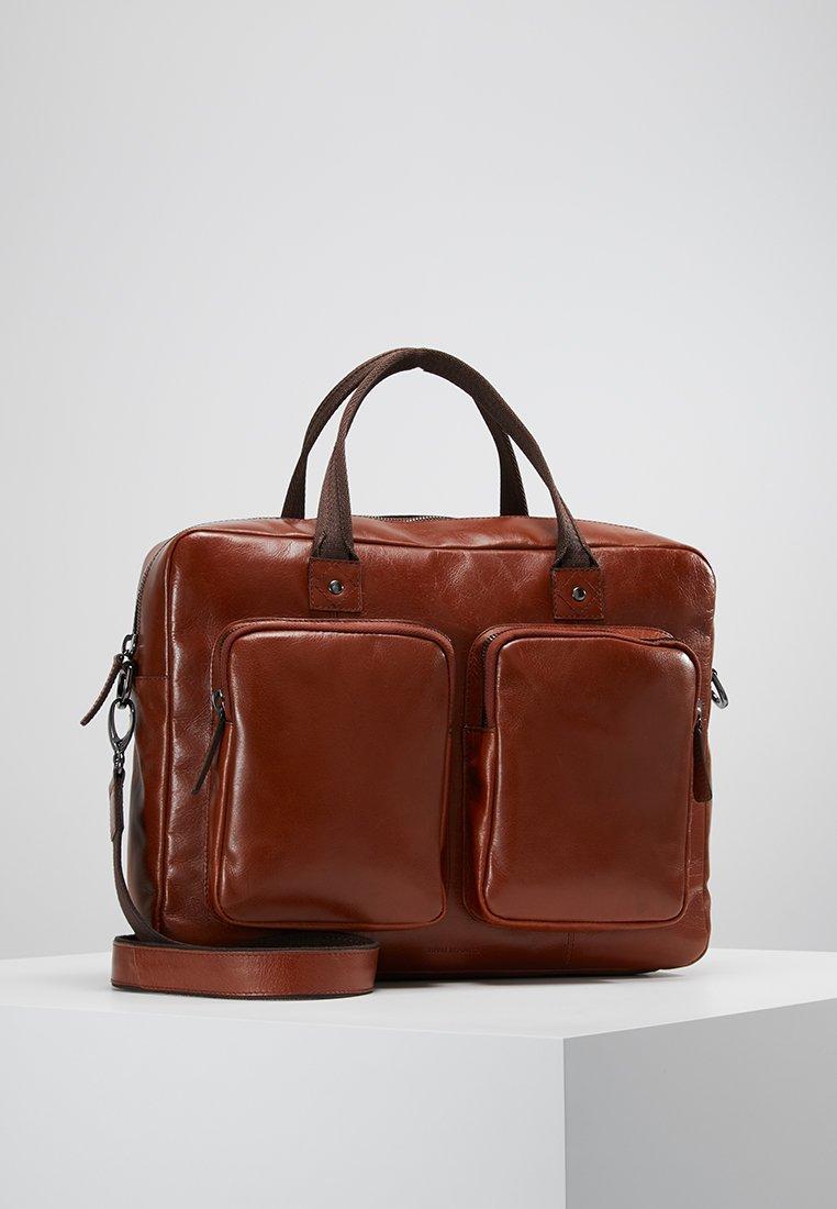 Royal RepubliQ - TRACK DAY BAG - Attachetasker - cognac