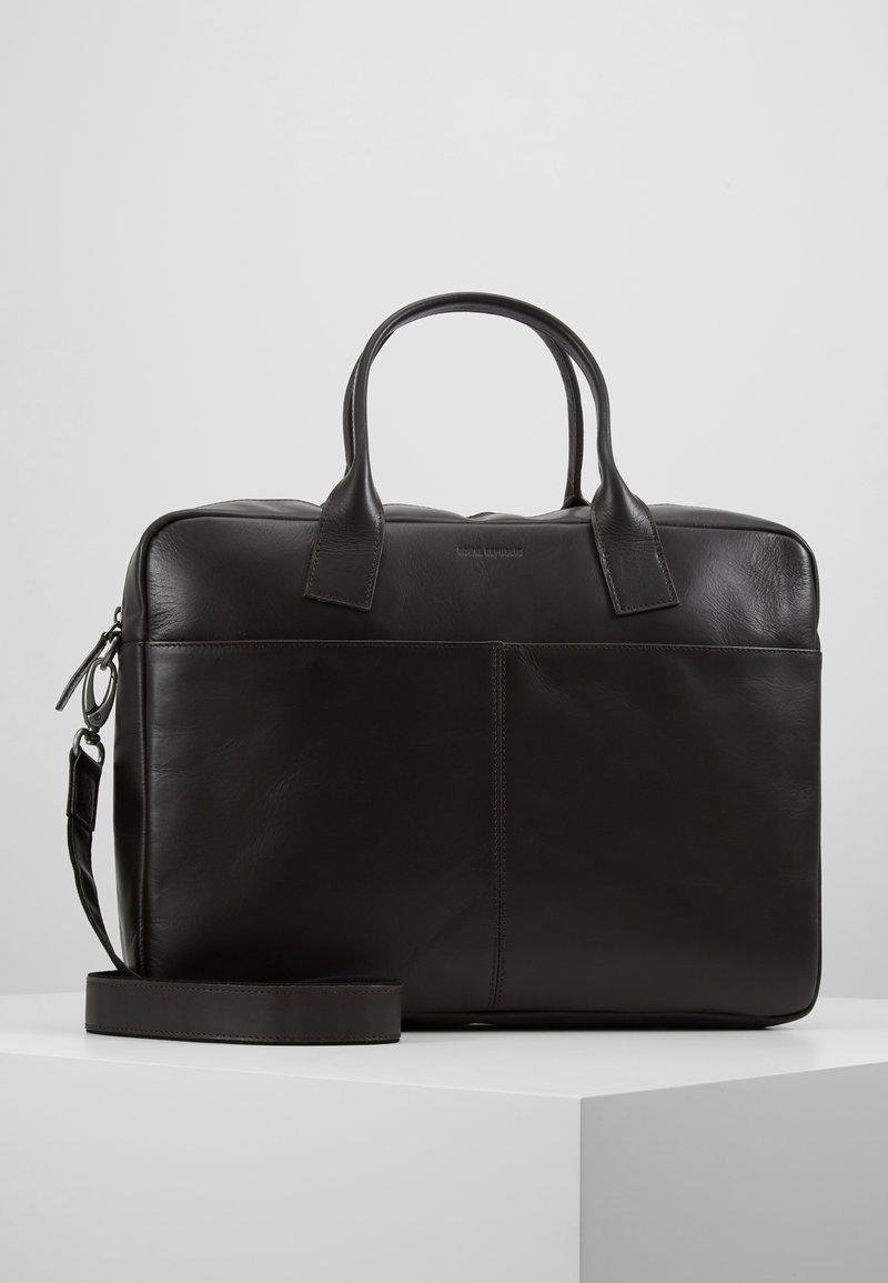 Royal RepubliQ - BULLET LAPTOP BAG - Briefcase - brown