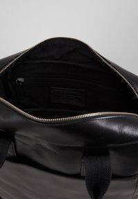 Royal RepubliQ - BASIS DAY BAG - Briefcase - black - 5