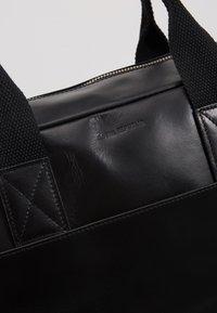 Royal RepubliQ - BASIS DAY BAG - Briefcase - black - 2