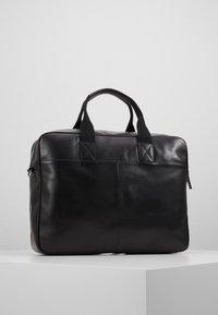 Royal RepubliQ - BASIS DAY BAG - Briefcase - black - 3