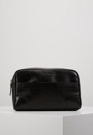 EXPLORER WASHBAG - Wash bag - black