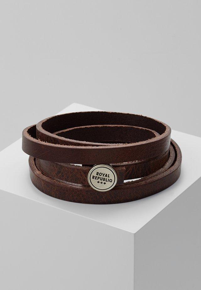 SPIRAL BRACELET - Armband - brown