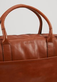 Royal RepubliQ - EXPLORER LAPTOP BAG SINGLE - Stresskoffert - cognac - 7